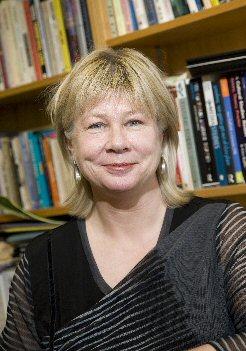 Dr. Tiina Vares